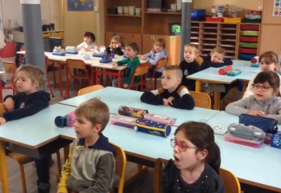 Chanson des nombres en anglais avec les élèves de Mme Lefebvre